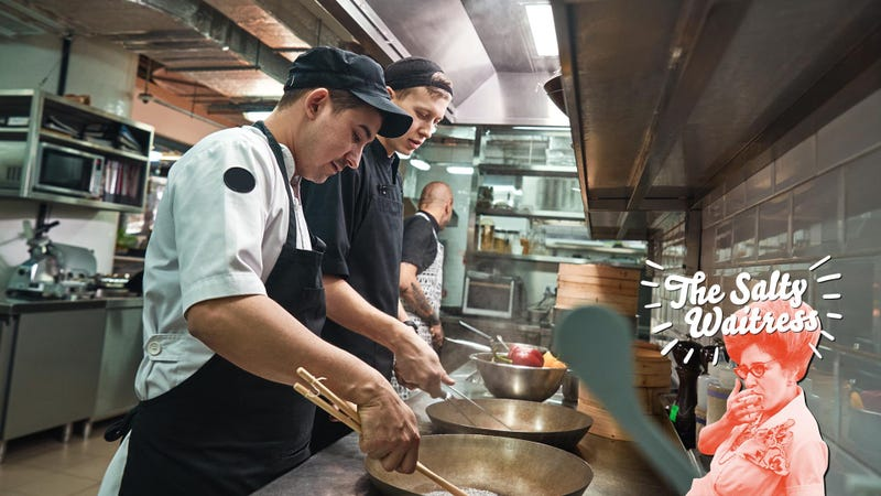 Do restaurant employees get to eat for free?