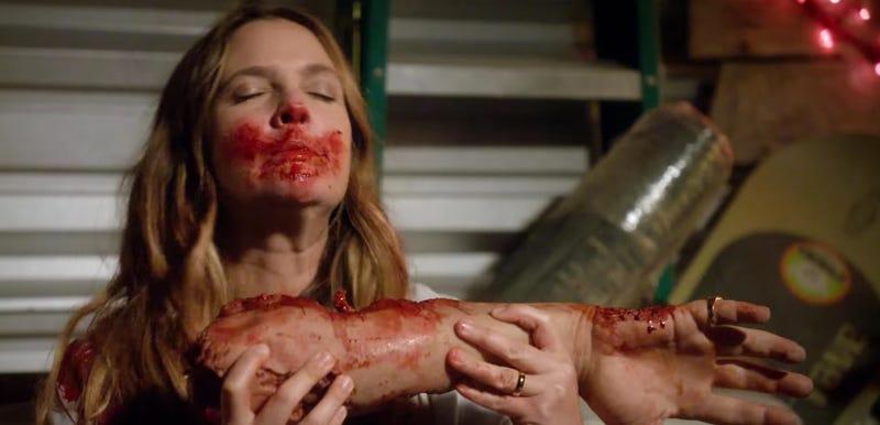 Illustration for article titled Drew Barrymore Devours Flesh in the Trailer For Santa Clarita Diet