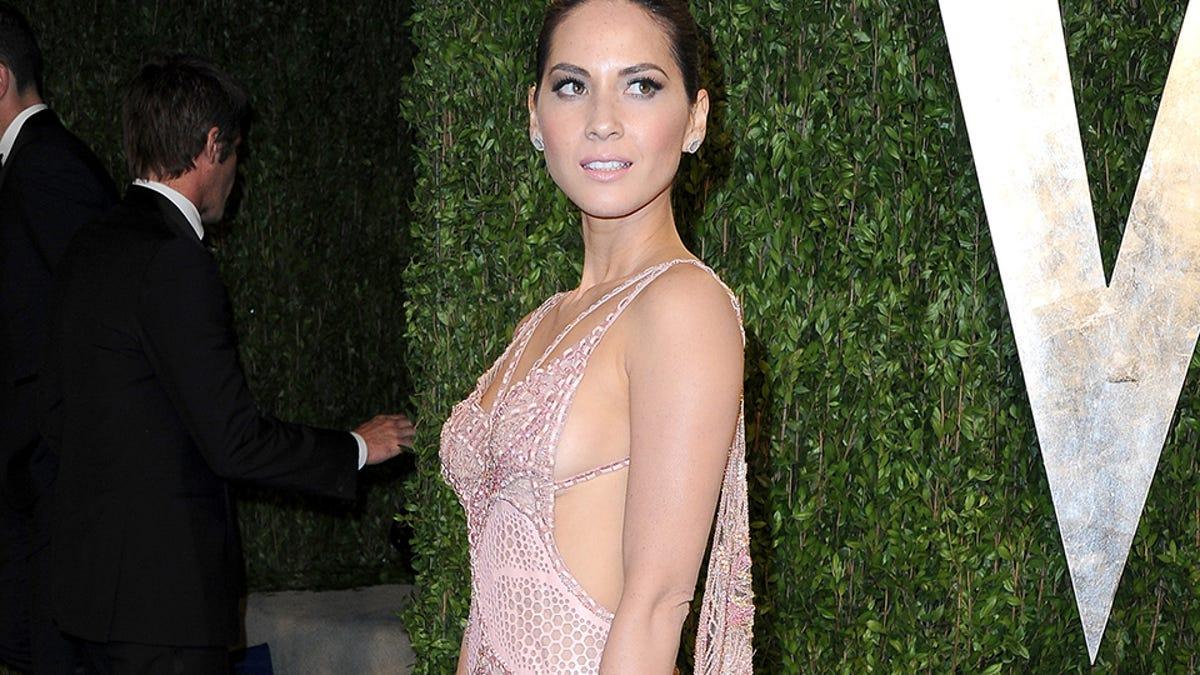 Cleavage Sideboob And See Through Dresses At The Vanity Fair Oscar