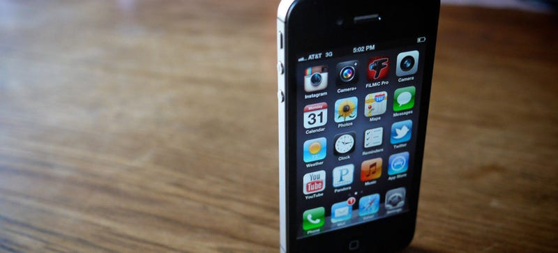 Now You Can Get Totally Free Voice, Texts, and Data on Your iPhone