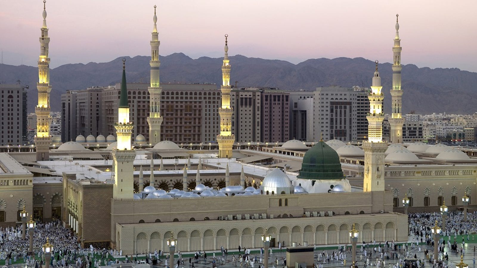How UK Muslims Can Get Umrah Packages Within Their Budgets
