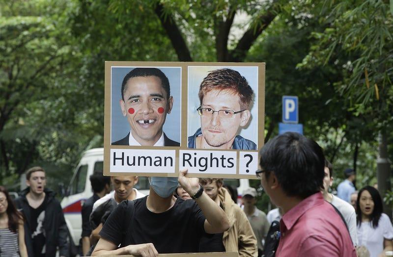 "Illustration for article titled Venezuela ofrece ""asilo humanitario"" a Snowden"