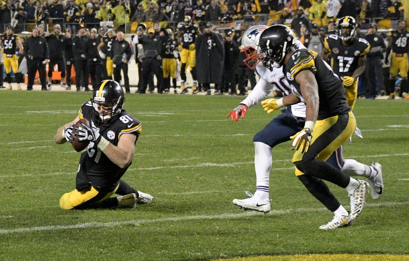 Steelers' Antonio Brown Leaves Game With Leg Injury