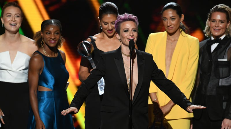 Illustration for article titled Megan Rapinoe's ESPYs Look Was So Good It Almost Restored My Faith in This Country
