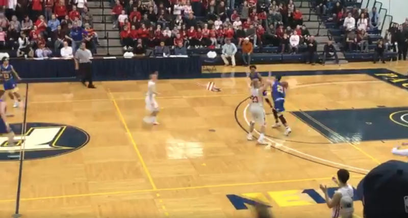 Illustration for article titled High School Title Game Ends With Insane Game-Winning Hail Mary Buzzer-Beater