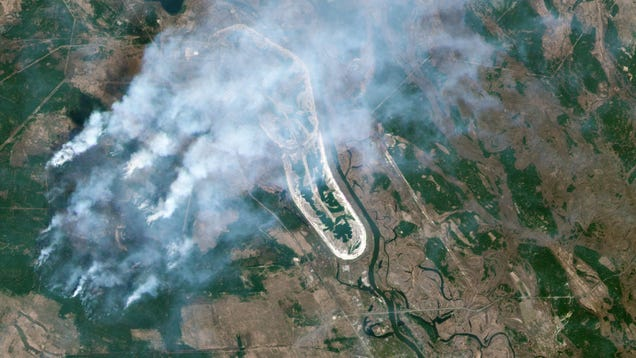 This Is What the Chernobyl Wildfires Look Like From Space