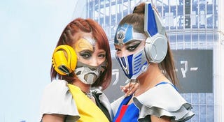 Illustration for article titled Who Knew Surgical Masks Made Awesome Transformers Cosplay?