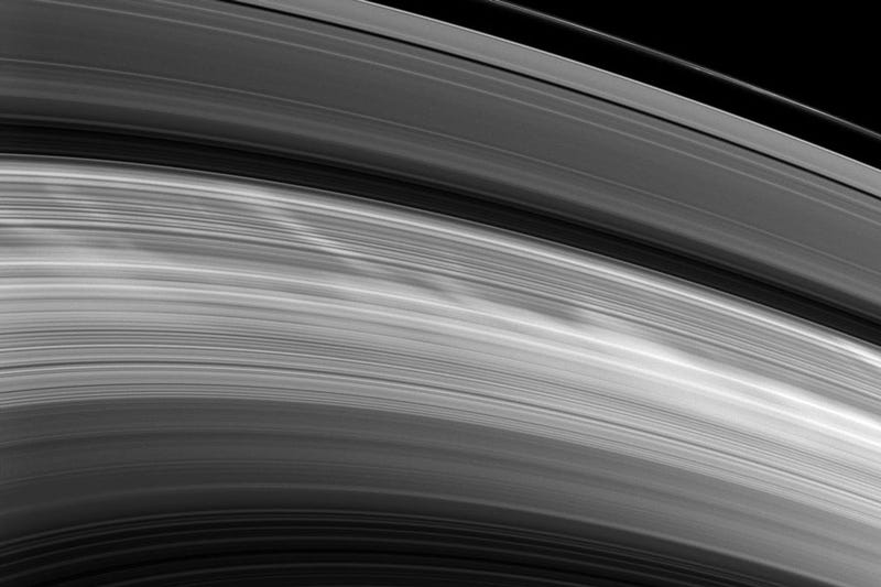 Illustration for article titled Are the Spokes in Saturn's Rings Merely an Optical Illusion?