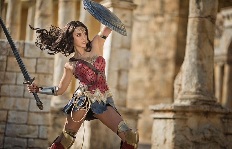 Illustration for article titled Wonder Woman Cosplay Is Ready For The Big Screen