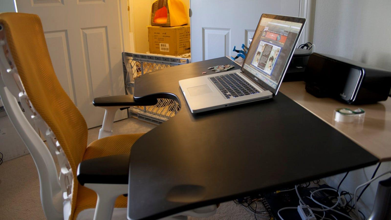Review Herman Miller Envelop Reclining Desk