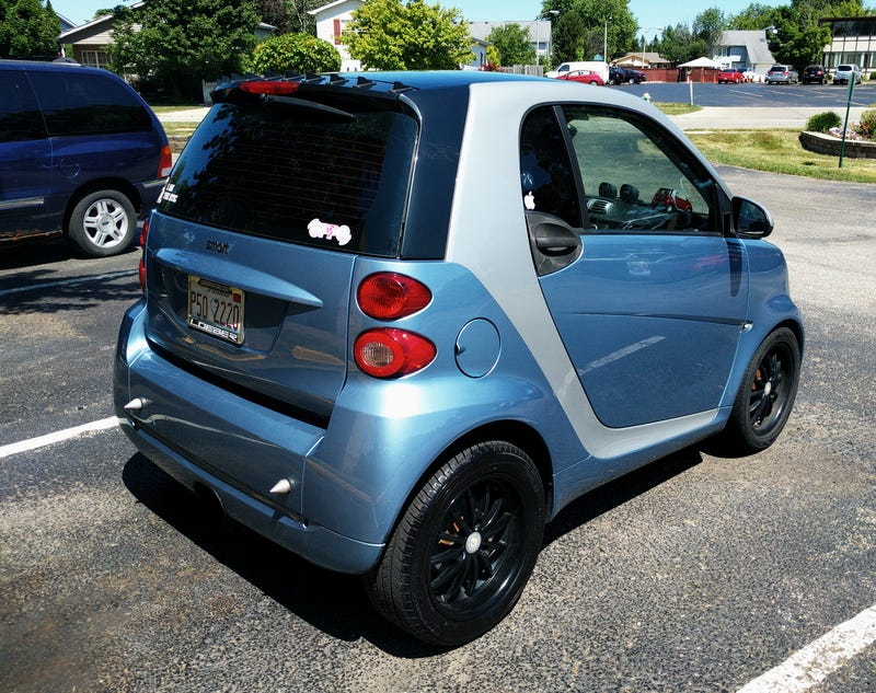 Illustration for article titled Everything Wrong With My $16,200 smart fortwo.