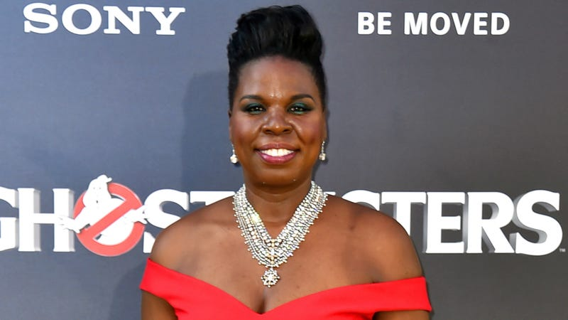 Celebrities support Leslie Jones after website hack