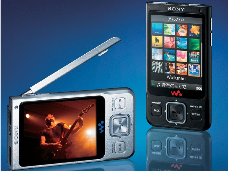Illustration for article titled Sony's NW-A910 Series Video Walkman Smallest and Lightest for TV