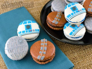 Illustration for article titled Star Wars Macarons Prove the Force is Delicious