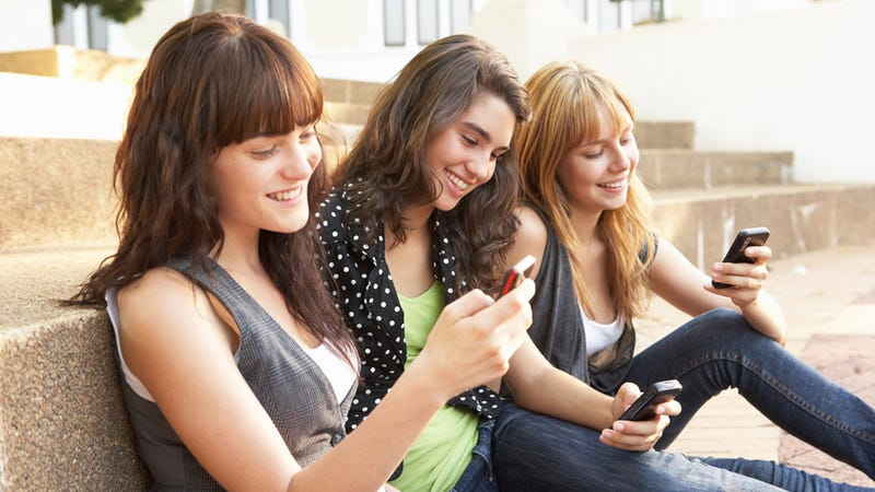 what to talk about with a girl texting