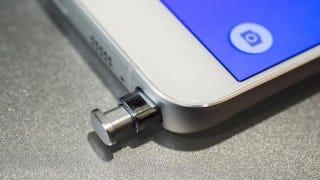 Illustration for article titled Un fallo de diseño hace que puedas romper el Galaxy Note 5 sin darte cuenta
