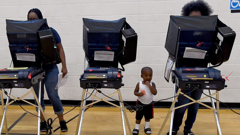 Illustration for article titled Black Voters in Georgia Say Something Funny Is Going on With Their Voting Machines