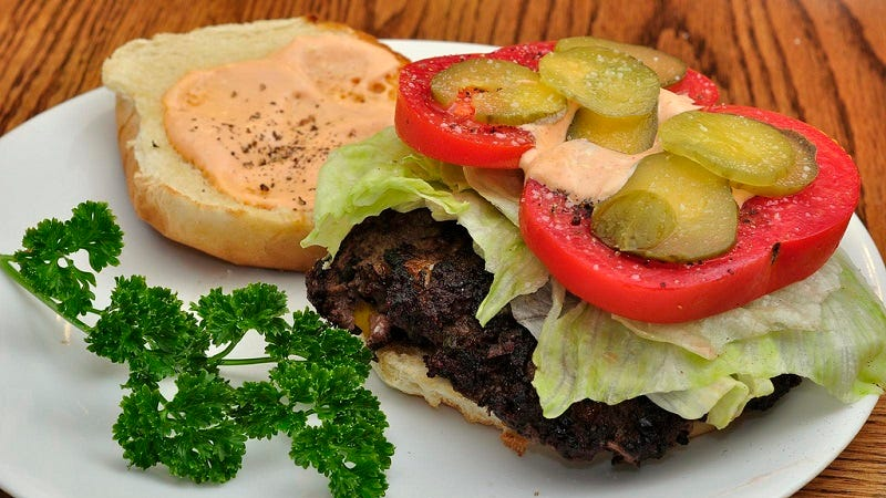 """Make the Perfect Burger Joint """"Special Sauce"""" at Home"""