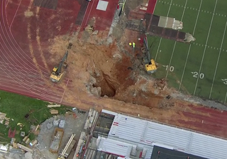 Illustration for article titled Sink hole found at college football stadium