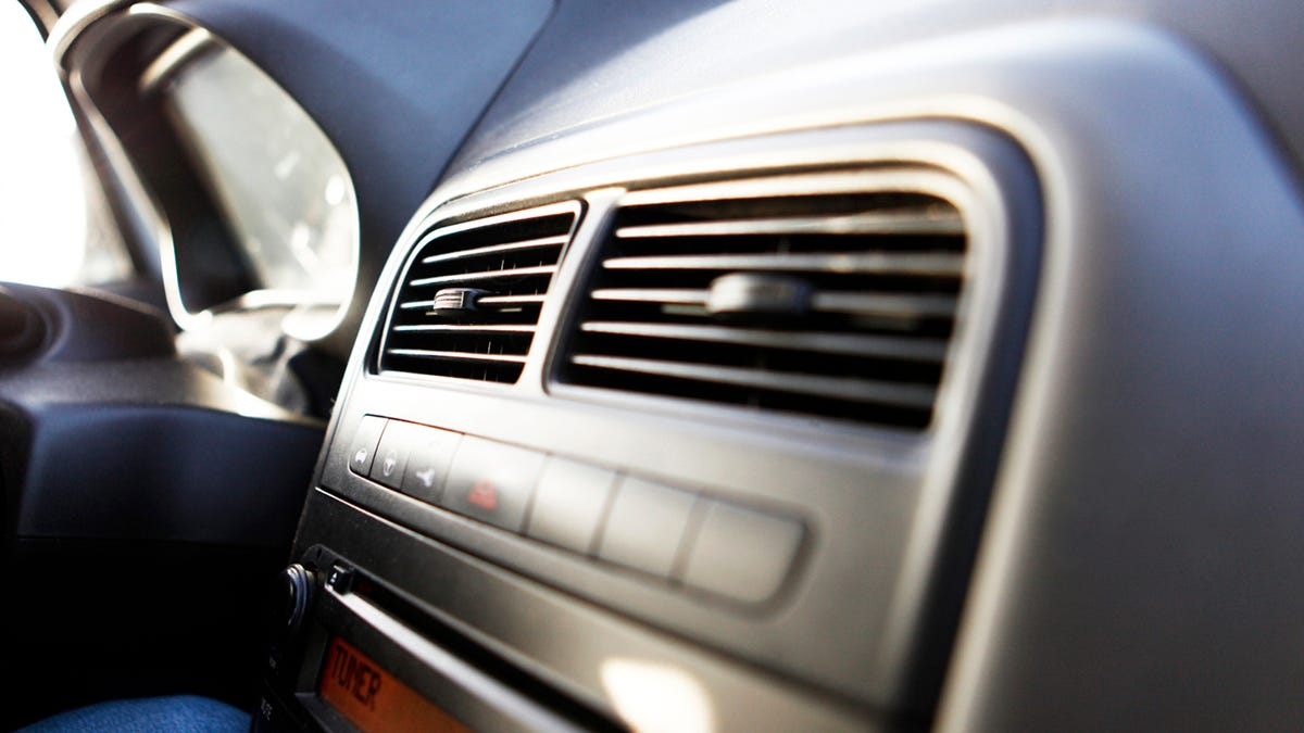 8 Things Only People Who Have Been Inside A Car Understand