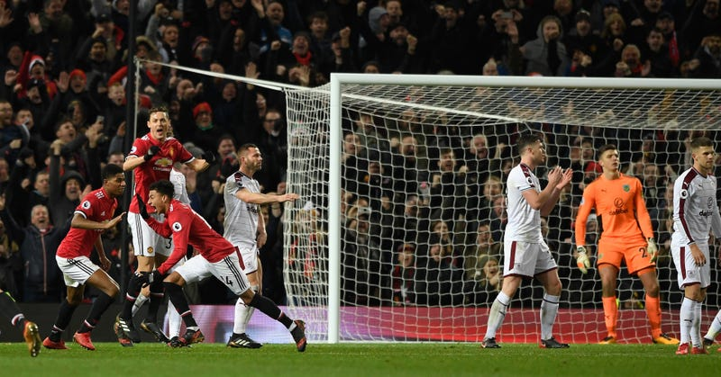 Lingard salvages 2-2 draw for Man United against Burnley