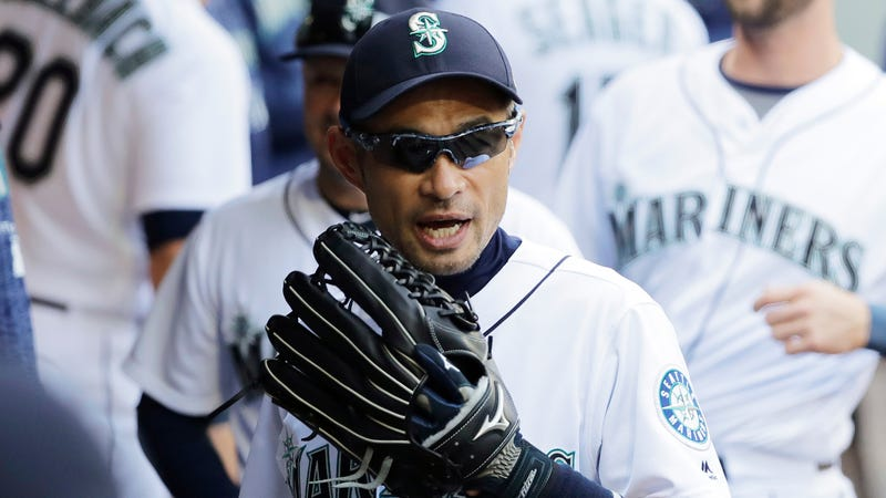 Illustration for article titled True Hit King Ichiro, In A Mariners Uniform, In 2018, Robbed A Dinger At The Wall