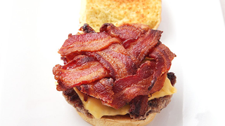 Illustration for article titled Make the Most Bacon-y Burger with the Bacon Weave and Other Tricks