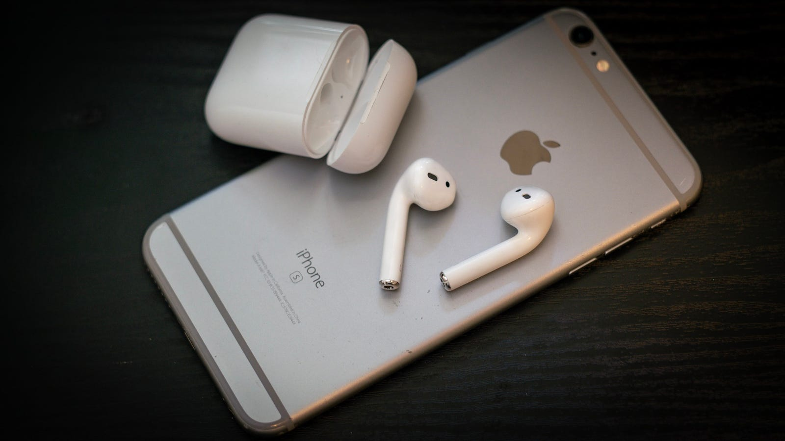 Essential AirPod Tips and Tricks