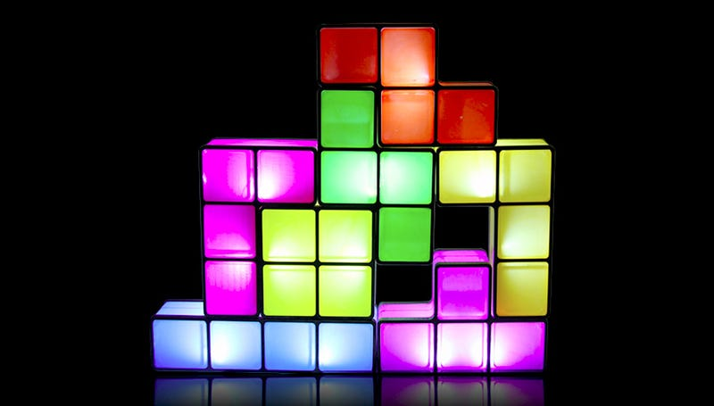 Illustration for article titled Tetris Lamp Lights Up When Stacked Instead of Disappearing