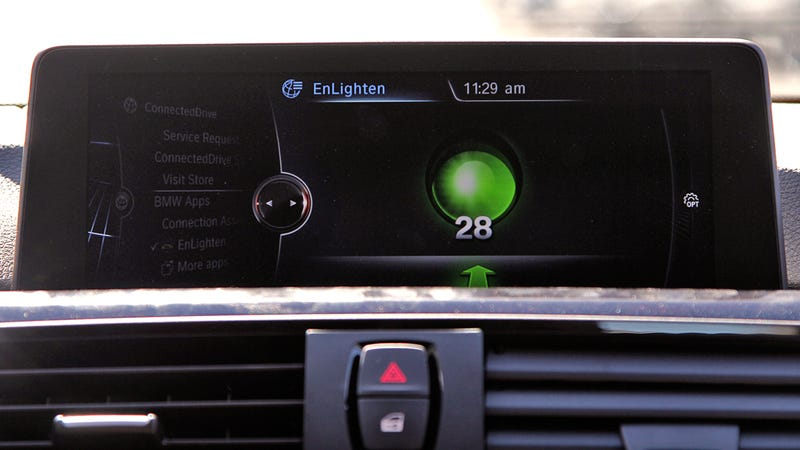 Illustration for article titled BMW Drivers Will Soon Have Traffic Light Timers on Their Dashboards