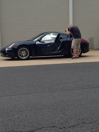 Illustration for article titled Teaser: Porsche Cayman video review