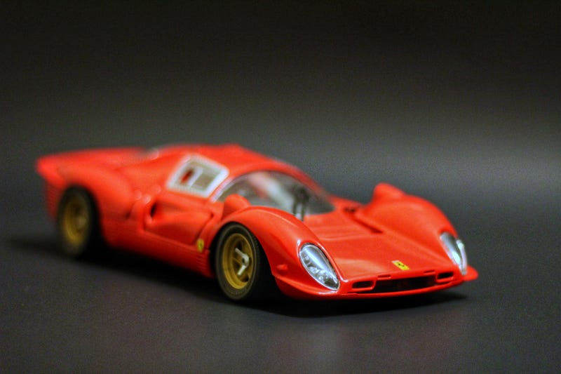 Illustration for article titled Ferrari 330 P4 in 1:18 scale