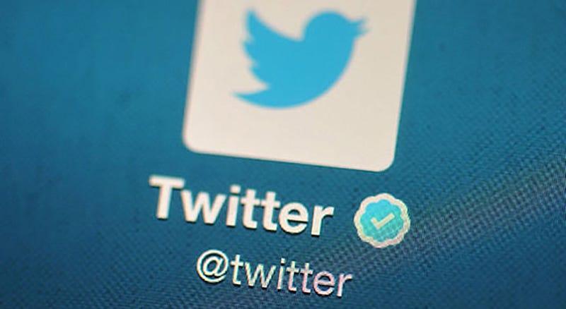 Illustration for article titled El nuevo algoritmo no cronológico de Twitter es la opción por defecto: cómo desactivarla