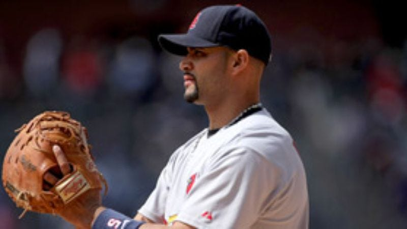 Illustration for article titled Base Runners Agree Albert Pujols Most Awkward First Baseman To Talk To