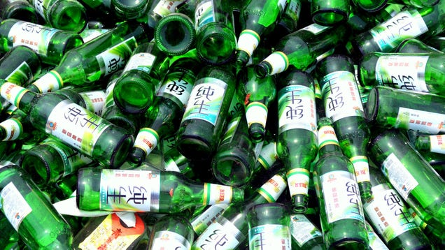 Can you leave your recyclables dirty? A little, yes. But don't leave them  filthy, a recycling professional tells MEL Magazine .