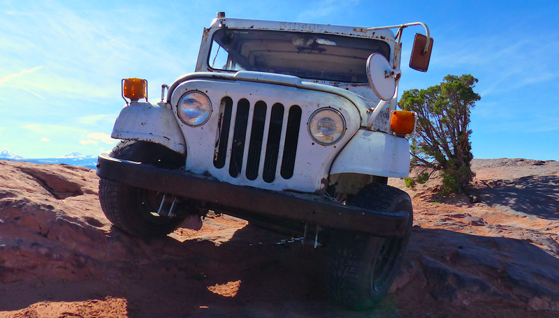 Illustration for article titled My $500 Two-Wheel Drive Postal Jeep Was a Beast Off-Road Until It Was Terrifying