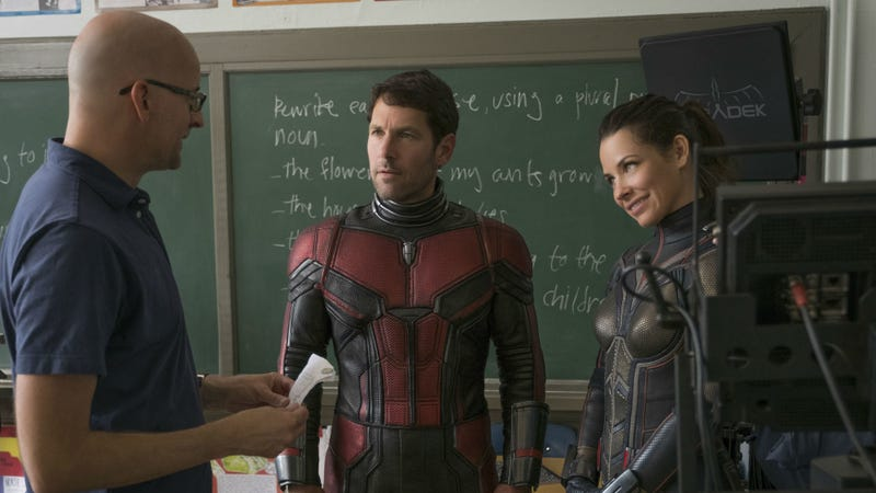 Peyton Reed (left) talks to Paul Rudd and Evangeline Lilly on the set of Ant-Man and the Wasp.