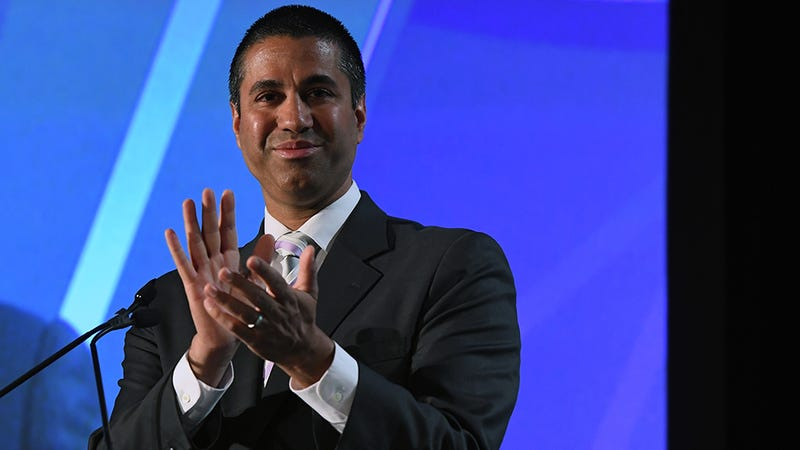 FCC Votes to Kill Net Neutrality, Capping a Year of Endless Bullshit Yzqmaxsjpzqf4aqueez3