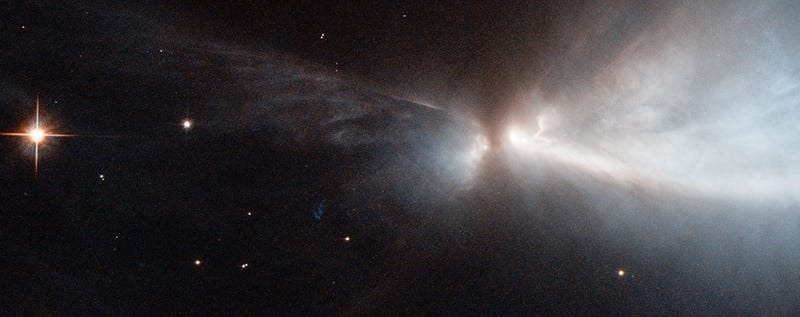 Illustration for article titled Hubble captures spectacular star birth