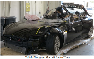 Illustration for article titled NTSB Releases Docket of Tesla Autopilot Crash