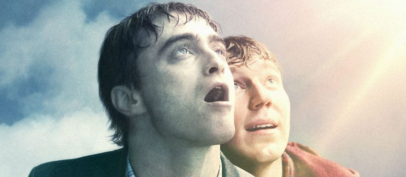 Illustration for article titled What Does the Farting Corpse Movie Swiss Army Man Have to Do With Jurassic Park?