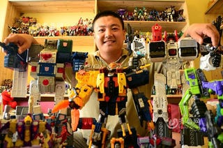Illustration for article titled Man in China Has Spent $32,000 Collecting Transformers