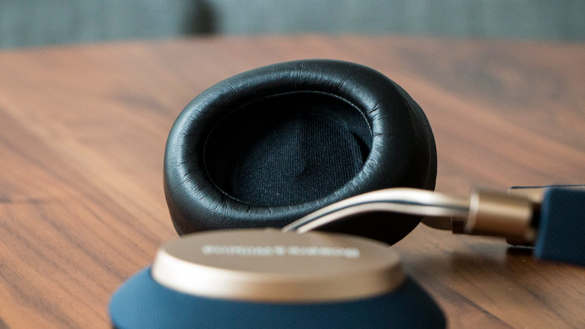 a583ecf1cc0 Bowers & Wilkins' New Noise-Cancelling Wireless Headphones Blew My Mind