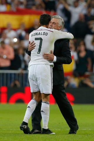 Illustration for article titled Érdekeljen engem, hogy Cristiano Ronaldo fogja kapni az Aranylabdát?