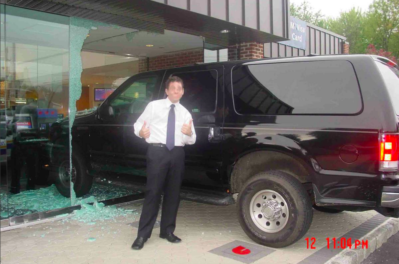 Hilariously Bizarre Craigslist Ad Proves This Ford Excursion Is
