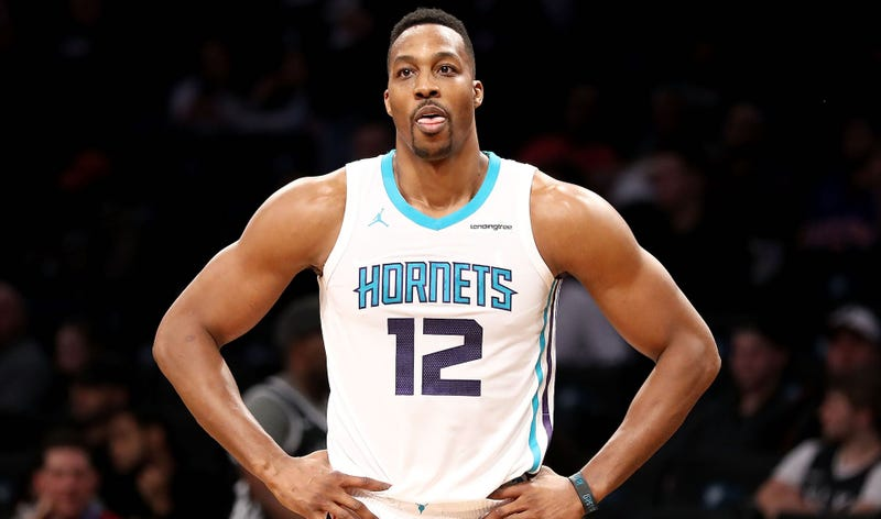 Illustration for article titled Dwight Howard Reaches Sad, Strange New Stage Of His Career
