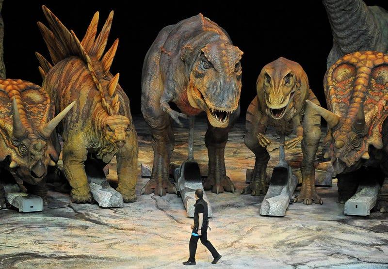 Illustration for article titled Robotic Dinosaurs Ponder Man's Extinction