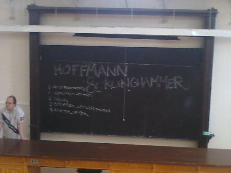 Illustration for article titled Te mit mondanál Hoffmannak és Klinghammernek? HaHa fórum - vége