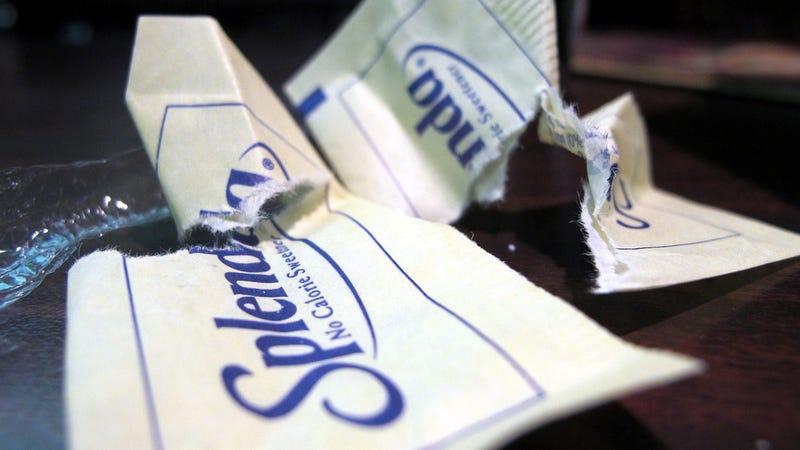 En qué se diferencian la sucralosa, la sacarina, el aspartamo y la estevia y cómo afectan a tu salud
