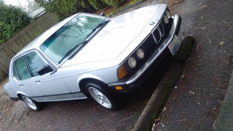Illustration for article titled For $1,700, This 1984 BMW 733i Could Put You In The Lap Of Old School Luxury